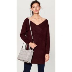 Sweter z odkrytymi ramionami - Bordowy. Czerwone swetry klasyczne damskie Mohito, l. Za 119,99 zł.