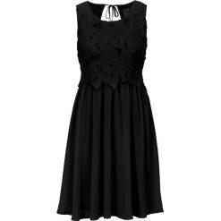 Sukienka wieczorowa bonprix czarny. Czarne sukienki hiszpanki bonprix, na lato, w koronkowe wzory, z koronki, wizytowe. Za 149,99 zł.