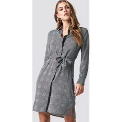MANGO Sukienka Country - Grey. Szare sukienki mini marki Mango, na co dzień, l, z tkaniny, casualowe, z dekoltem halter, na ramiączkach, rozkloszowane. Za 141,95 zł.