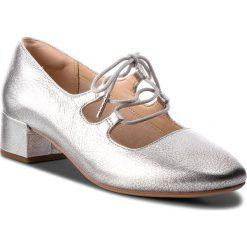 Półbuty CLARKS - Orabella Sofia 261349684 Silver Leather. Szare półbuty damskie skórzane marki Clarks, eleganckie, na obcasie. W wyprzedaży za 279,00 zł.