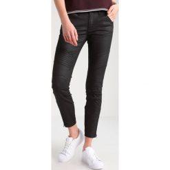 GStar 5620 3D CUSTOM ANKLE ZIP MID SKINNY  Jeansy Slim Fit distro black superstretch. Czarne jeansy damskie marki G-Star, z bawełny. W wyprzedaży za 384,30 zł.