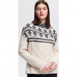 Sweter ze stójką - Wielobarwn. Szare swetry klasyczne damskie Reserved, l, ze stójką. Za 159,99 zł.