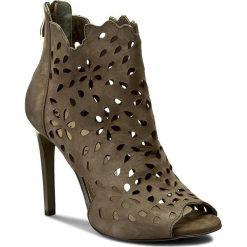 Botki CARINII - B3914 I43-000-000-B40. Różowe buty zimowe damskie marki Carinii, z materiału, z okrągłym noskiem, na obcasie. W wyprzedaży za 259,00 zł.