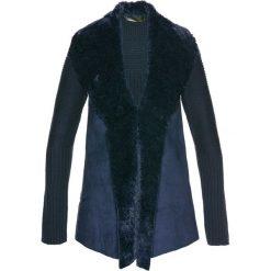 Sweter rozpinany ze sztucznym futerkiem bonprix ciemnoniebieski. Niebieskie swetry rozpinane damskie bonprix. Za 109,99 zł.