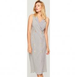 Sukienka w prążki - Kremowy. Białe sukienki marki Reserved, l, w prążki. W wyprzedaży za 89,99 zł.
