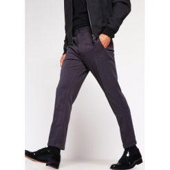 Chinosy męskie: Lindbergh Spodnie materiałowe dark grey
