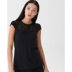 Bluzka z koronkową wstawką - Czarny. Czarne bluzki asymetryczne House, l, z koronki. Za 39,99 zł.