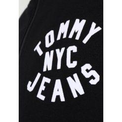 Bejsbolówki męskie: Tommy Jeans ESSENTIAL GRAPHIC TRACK Bluza rozpinana tommy black