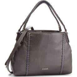 Torebka LIU JO - M Shoulder Bag Cere N68049 E0033  Grape Juice met. 04203. Szare torebki klasyczne damskie Liu Jo, ze skóry ekologicznej, duże. Za 689,00 zł.