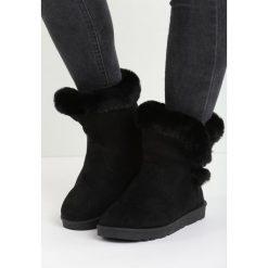 Czarne Śniegowce Nit-Pick. Czarne buty zimowe damskie marki Cropp. Za 79,99 zł.
