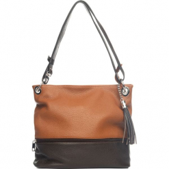 Skórzana torebka w kolorze brązowym. Brązowe torebki klasyczne damskie Mia Tomazzi, z aplikacjami, z materiału. W wyprzedaży za 318,95 zł.