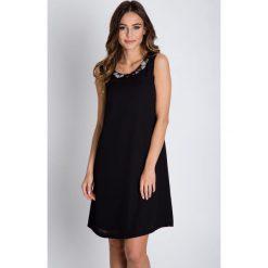 Sukienki balowe: Czarna sukienka typu parasolka BIALCON