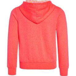 Bench BEACHY ZIP THRU Bluza rozpinana neon pink. Różowe bluzy dziewczęce rozpinane Bench, z bawełny. Za 209,00 zł.