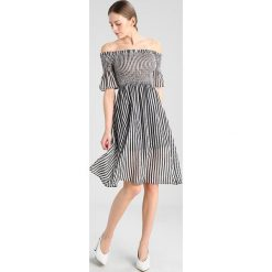 Sukienki hiszpanki: New Look PRINT SHIRR BARDOT MIDI DRESS Sukienka letnia black