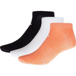 Skarpetki damskie (3 pary) SOD622 - biały + łosoś + czarny - Outhorn. Białe skarpetki damskie Outhorn, z elastanu. W wyprzedaży za 14,99 zł.