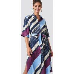 MANGO Sukienka maxi Amandi - Blue. Szare długie sukienki marki Mango, na co dzień, l, z tkaniny, casualowe, z dekoltem halter, na ramiączkach, rozkloszowane. Za 283,95 zł.