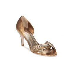 Sandały Sarah Chofakian  COLAGEM. Czerwone sandały damskie marki Nike. Za 1295,20 zł.