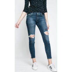 Guess Jeans - Jeansy. Niebieskie jeansy damskie rurki marki Guess Jeans, z obniżonym stanem. W wyprzedaży za 429,90 zł.