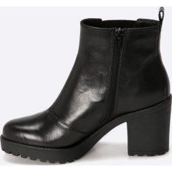 Vagabond - Botki Grace. Czarne buty zimowe damskie marki Vagabond, z materiału, z okrągłym noskiem, na obcasie. W wyprzedaży za 299,90 zł.