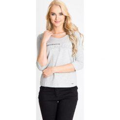 Bluzki damskie: Szara bluzka z napisem QUIOSQUE