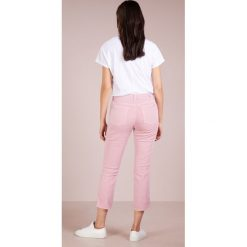 Boyfriendy damskie: 7 for all mankind EDIE Jeansy Slim Fit ice dye pink