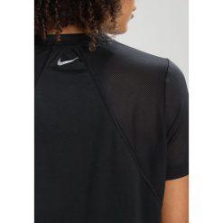 Nike Performance DRY MILER  Tshirt z nadrukiem black/white/reflective silver. Czarne t-shirty damskie Nike Performance, xs, z nadrukiem, z poliesteru. Za 129,00 zł.