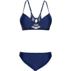 Bikini na fiszbinach (2 części) bonprix niebieski. Niebieskie bikini bonprix, w koronkowe wzory. Za 59,99 zł.