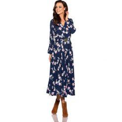 Modna sukienka midi granatowy w kwiatki. Niebieskie sukienki na komunię marki numoco, na imprezę, s, w kwiaty, z jeansu, sportowe, sportowe. Za 249,90 zł.