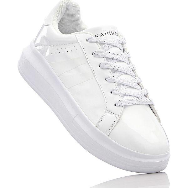 Sneakersy na podeszwie platformie bonprix biały