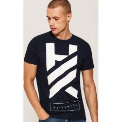 T-shirt z nadrukiem - Wielobarwn. Czarne t-shirty męskie z nadrukiem marki House, l. Za 49,99 zł.
