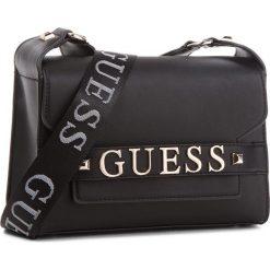 Torebka GUESS - HWVG68 76210  BLA. Czarne listonoszki damskie marki Guess, z aplikacjami, ze skóry ekologicznej. Za 559,00 zł.