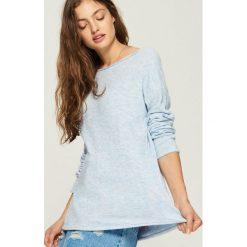 Gładki sweter - Wielobarwn. Czerwone swetry klasyczne damskie marki Sinsay, l, z nadrukiem. Za 59,99 zł.