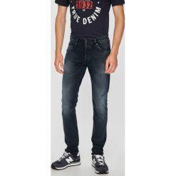 Pepe Jeans - Jeansy Stanley. Czarne jeansy męskie z dziurami Pepe Jeans. Za 439,90 zł.