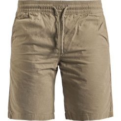 Produkt Basic Shorts Krótkie spodenki beżowy. Brązowe spodenki i szorty męskie Produkt. Za 42,90 zł.