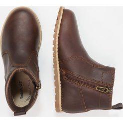Timberland POKEYPINE CHUKKA WITH ZIP Botki mincio. Brązowe buty zimowe damskie marki Timberland, z gumy. W wyprzedaży za 216,30 zł.