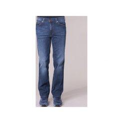 Jeansy straight leg Mustang  TRAMPER. Czarne jeansy męskie marki Mustang, l, z bawełny, z kapturem. Za 216,30 zł.