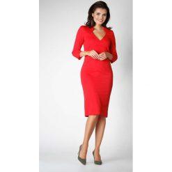 Czerwona Dopasowana Sukienka Wizytowa z Trójkątnym Wycięciem przy Dekolcie. Niebieskie sukienki balowe marki Molly.pl, na co dzień, l, z elastanu, z klasycznym kołnierzykiem, oversize. W wyprzedaży za 108,72 zł.
