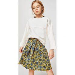 Mango Kids - Spódnica dziecięca Pascu 110-152 cm. Szare spódniczki dziewczęce marki Mango Kids, z bawełny, z podwyższonym stanem, midi, rozkloszowane. W wyprzedaży za 49,90 zł.