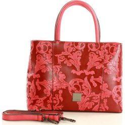 NOBO Zmysłowa torebka kuferek czerwony. Czerwone kuferki damskie Nobo, w paski, ze skóry ekologicznej. Za 159,00 zł.