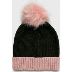 Vero Moda - Czapka Bera. Szare czapki zimowe damskie Vero Moda, na zimę, z dzianiny. W wyprzedaży za 49,90 zł.