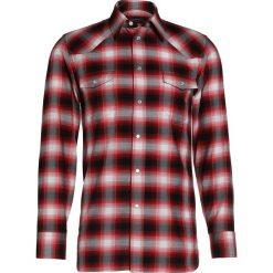 Marc Jacobs TARTAN Koszula red. Czerwone koszule męskie na spinki Marc Jacobs, m, z bawełny. W wyprzedaży za 771,60 zł.