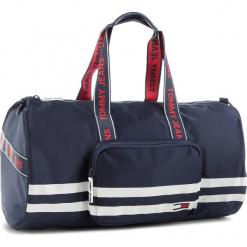 Torba TOMMY JEANS - Tj Varsity Duffle AU0AU00241 496. Niebieskie torebki klasyczne damskie Tommy Jeans, z jeansu. Za 549,00 zł.