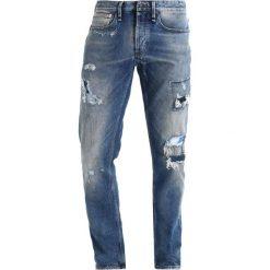 Denham RAZOR Jeansy Straight Leg blue denim. Niebieskie jeansy męskie regular Denham. W wyprzedaży za 524,50 zł.