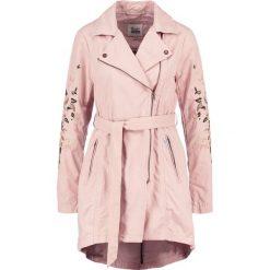 Płaszcze damskie pastelowe: khujo POPPY Krótki płaszcz nude