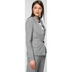 Vero Moda - Żakiet Olivia. Niebieskie marynarki i żakiety damskie marki Vero Moda, z bawełny. W wyprzedaży za 99,90 zł.