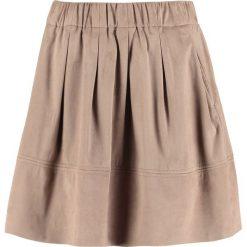 Minispódniczki: Moves KIA Spódnica plisowana warm sand