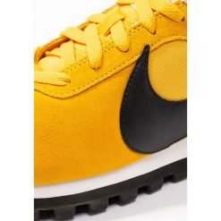 Trampki damskie slip on: Nike Sportswear PRELOVE O.X. Tenisówki i Trampki yellow ochre/black/summit white