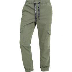 Bojówki męskie: Tommy Jeans SOFT JOG Bojówki deep lichen