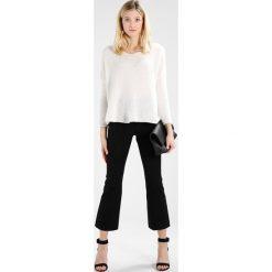 Swetry klasyczne damskie: American Vintage VACAVILLE Sweter white