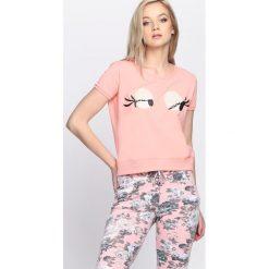 Różowy T-shirt Beady Eyes. Czerwone bluzki damskie Born2be, m. Za 19,99 zł.